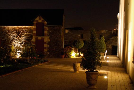 05 eclairage de jardin aubry paysage paysagiste laval saint berthevin mayenne. Black Bedroom Furniture Sets. Home Design Ideas